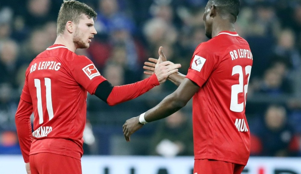 Leipzig, deplasmanda Schalke 04'ü 5-0 yenerek zirve takibini sürdürdü