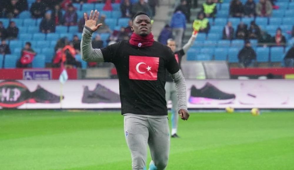 Trabzonspor'dan Mehmetçik'e özel tişört