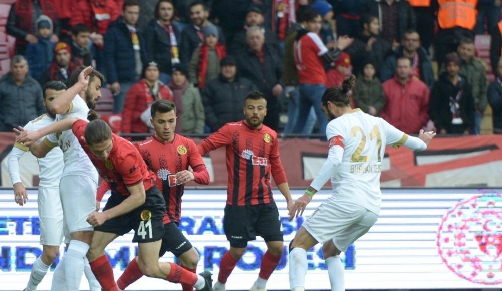 Akhisarspor, deplasmanda Eskişehirspor'u devirdi: 1-2