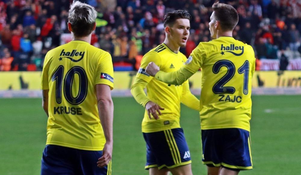 Fenerbahçe çıkış arıyor! 11'ler...