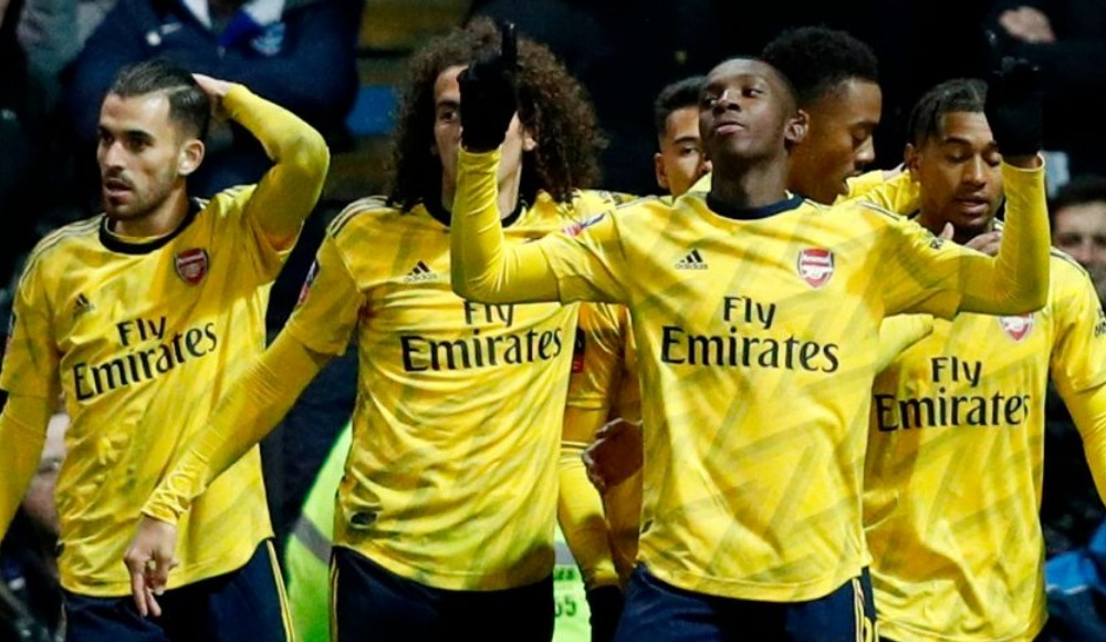 Arsenal teselliyi kupada buldu
