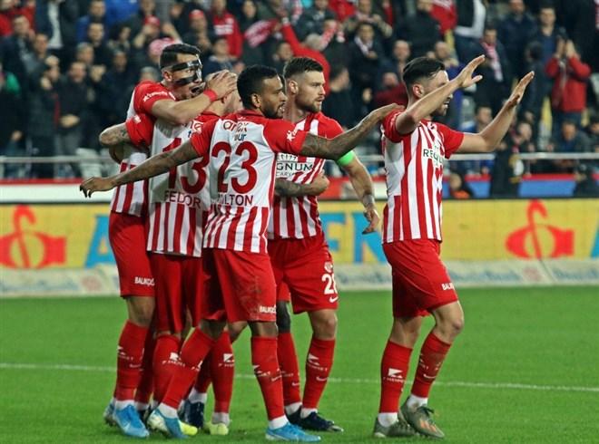 Antalyaspor'da kupada 2 eksik