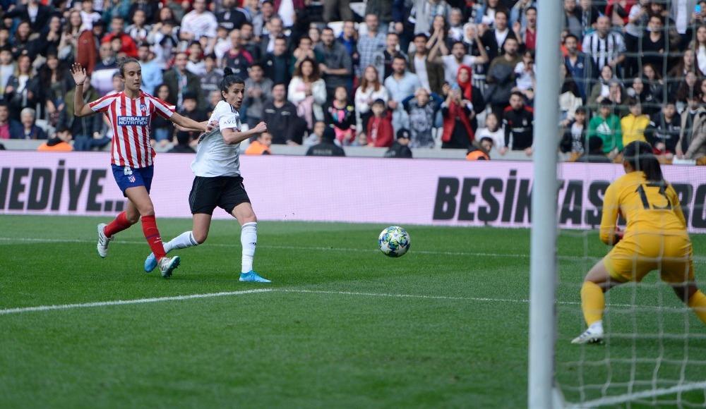 Rekorların kırıldığı maçta kazanan Atletico Madrid oldu