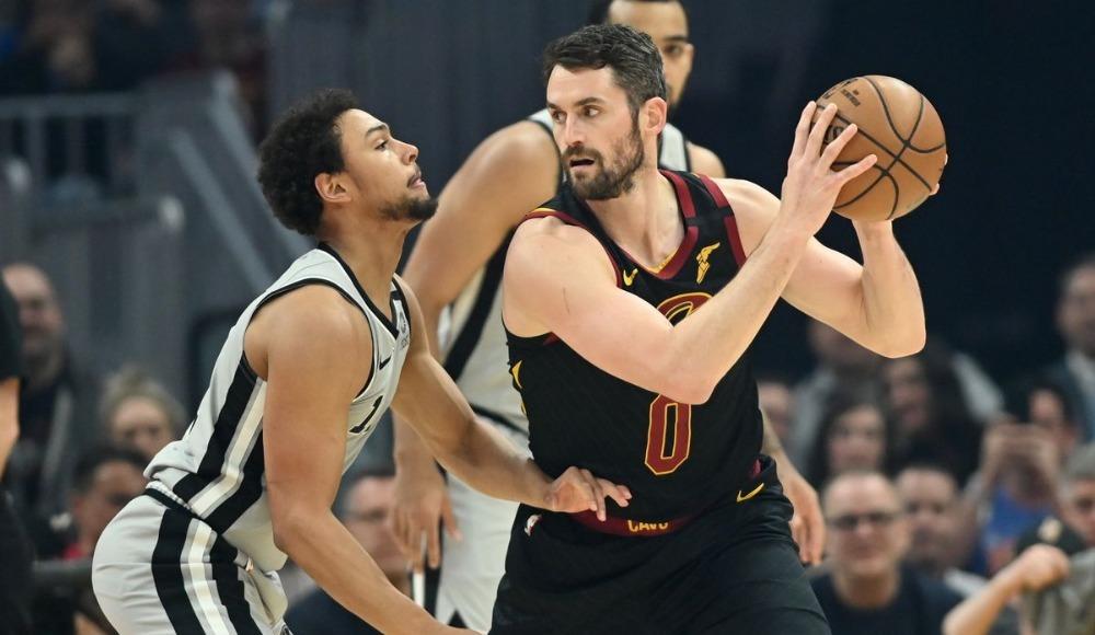 Cavaliers, Spurs maçını uzatmada kazandı