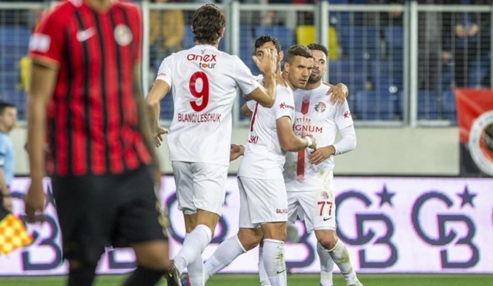 Fredy, Podolski ve Bünyamin, Gençlerbirliği maçını değerlendirdi