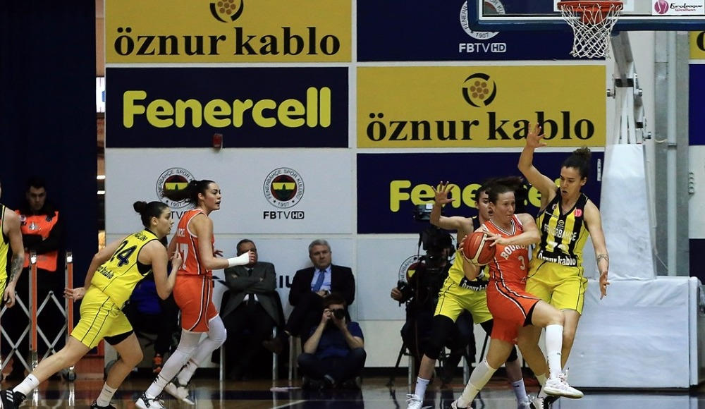 Fenerbahçe Öznur Kablo seride 1-0 öne geçti!