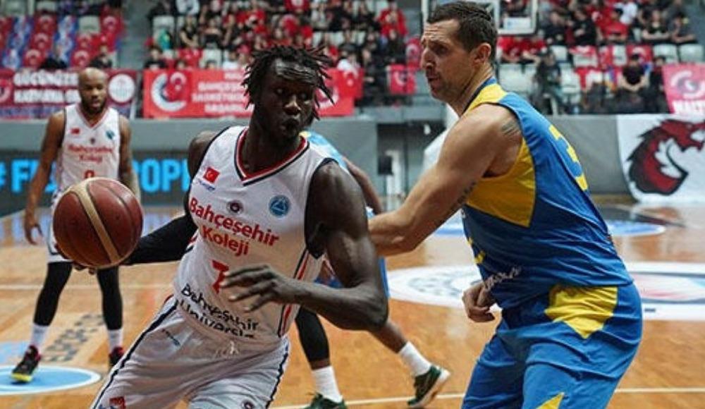 Bahçeşehir Koleji yarı finalde