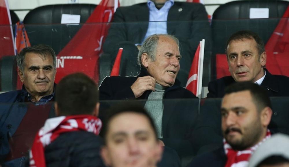 Futbolun zirvesinden Başakşehir'e destek