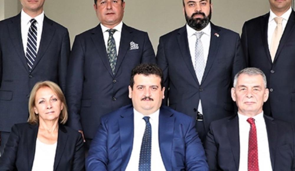 Dolandırıcılıktan tutuklanan menajer, Tahkim Kurulu Başkanı'nı azletti!