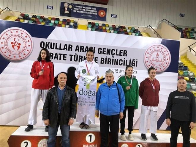 Fatma Uygur Türkiye birincisi oldu