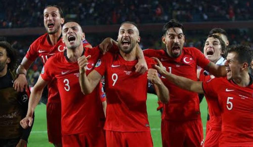 EURO 2020'nin ertelenmesine en çok onlar sevindi