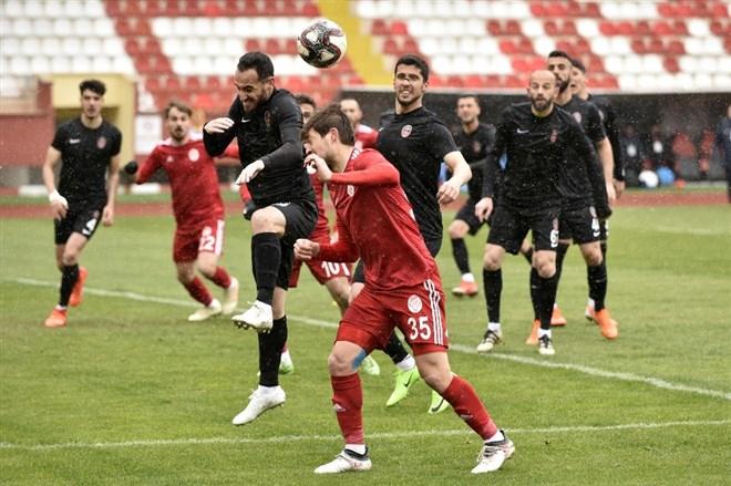 Gümüşhanespor - Başkent Akademi FK maçında kazanan yok