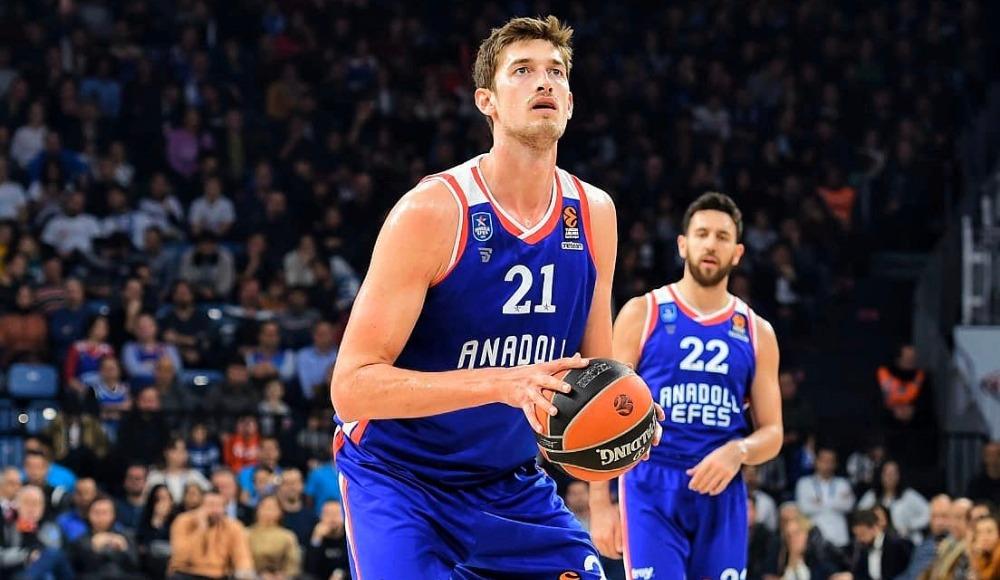 Anadolu Efes, Tibor Pleiss ile sözleşme yeniledi