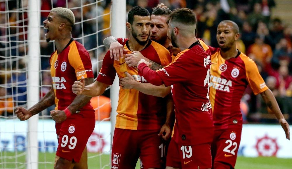 Galatasaray'da oyuncular maaş indirimine gidecek mi?
