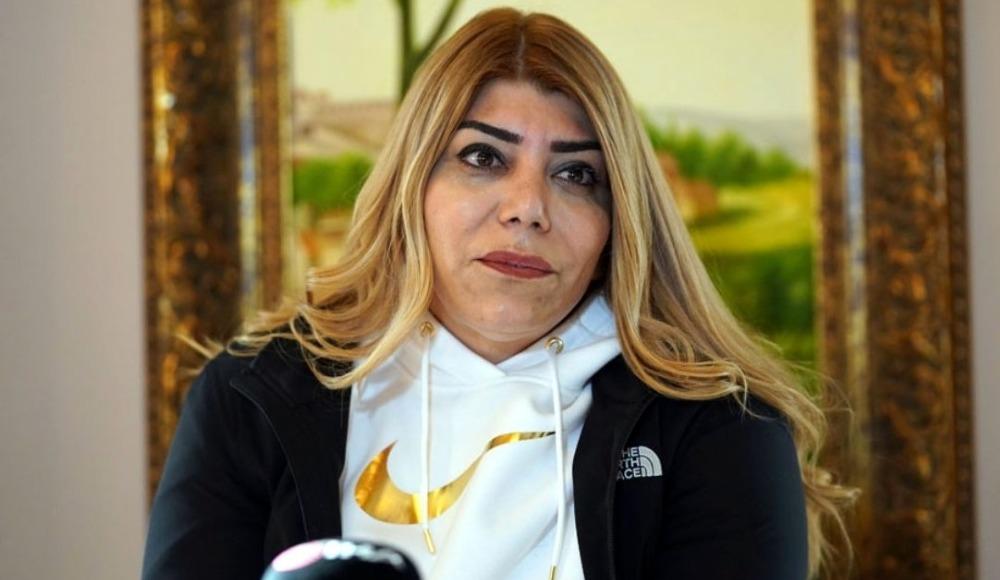 Gözyaşlarını tutamayan Berna Gözbaşı: Hakem şiddetine 'dur' diyorum