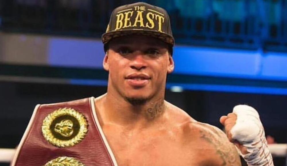 Ünlü boksör, koronavirüsten babasını ve babaannesini kaybetti!