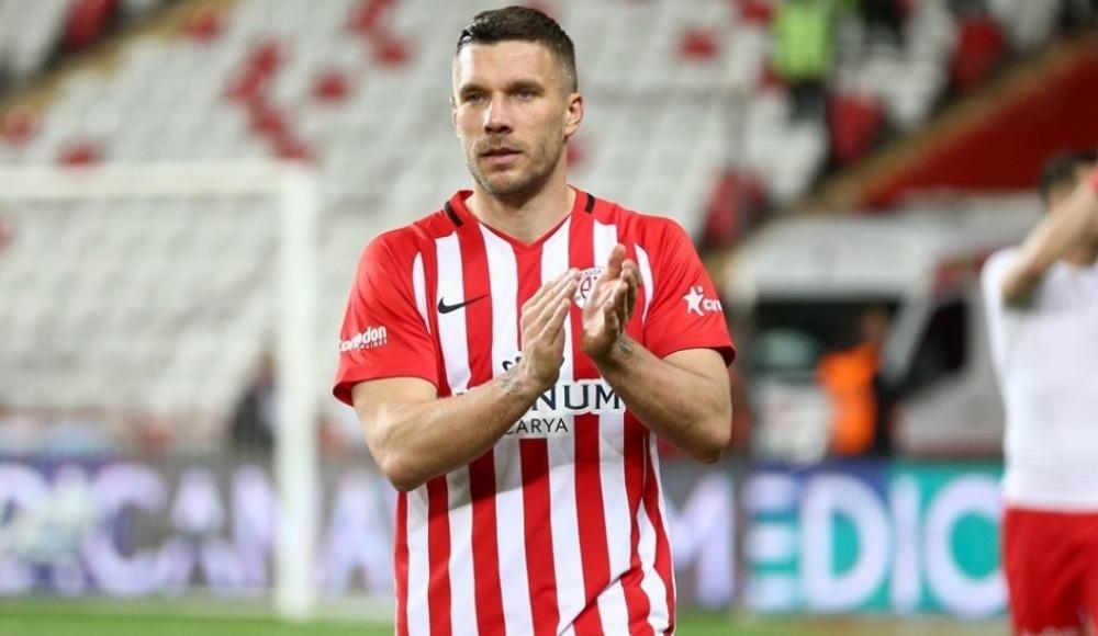 """Podolski: """"Önceliğim yönetimi ya da şehri mutlu etmek olmayacak"""""""