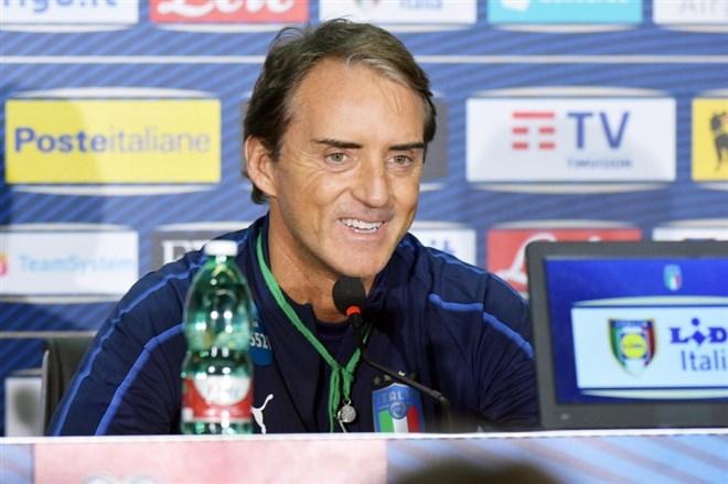 "Mancini: ""İbrahimovic, Messi ve Ronaldo ile aynı seviyede"""