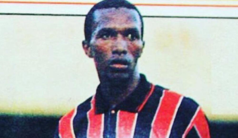 Gençlerbirliği Kulübü, Moshoeu'yi andı