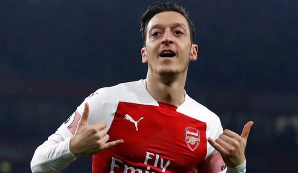 """Efsanelerden Mesut Özil'e tepki """"Korkunç bir takım ruhu eksikliği!"""""""