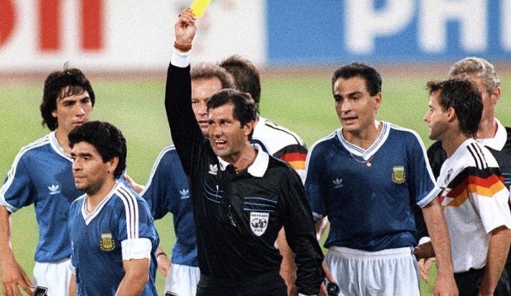 """""""Maradona'yı maç başlamadan atmalıydım"""""""