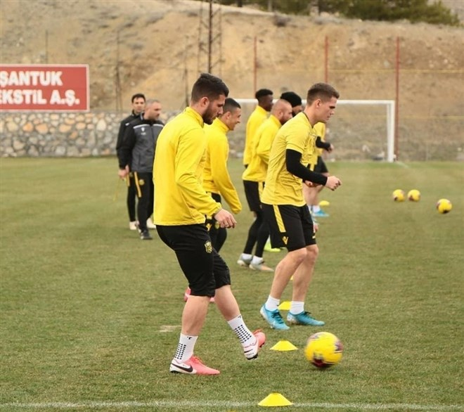Yeni Malatyaspor sözleşmesi biten bazı oyuncularına yeni teklif yapacak