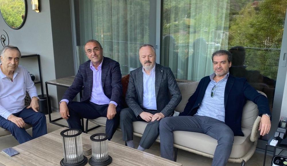 Galatasaraylı yöneticilerden Mustafa Cengiz'e ziyaret