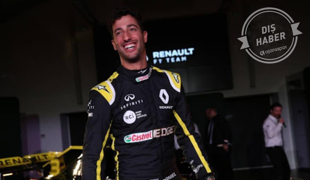 Carlos Sainz gitti, Daniel Ricciardo geldi