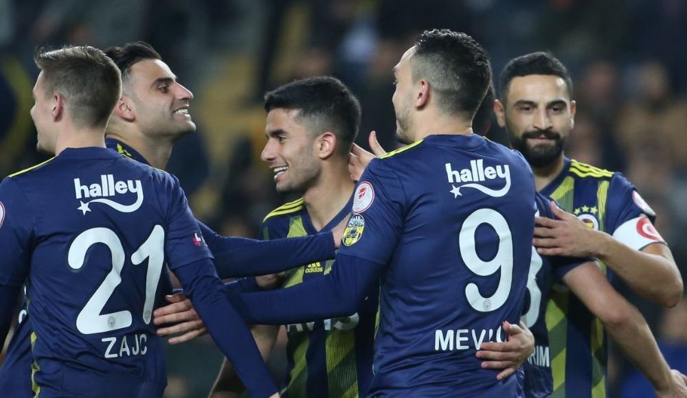 Fenerbahçe'de 3 isim için sarı alarm
