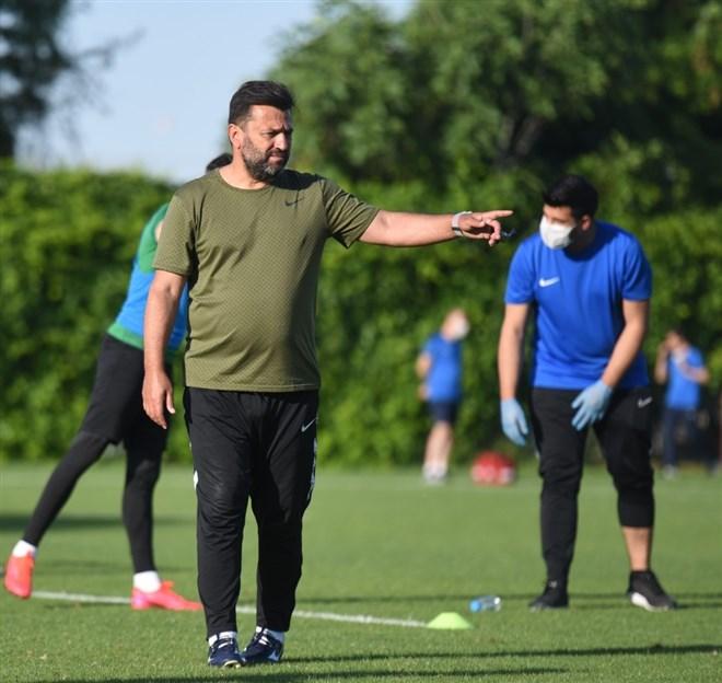 """Bülent Uygun: """"Uzun süre yapılmayan antrenman sakatlık çıkartır"""""""