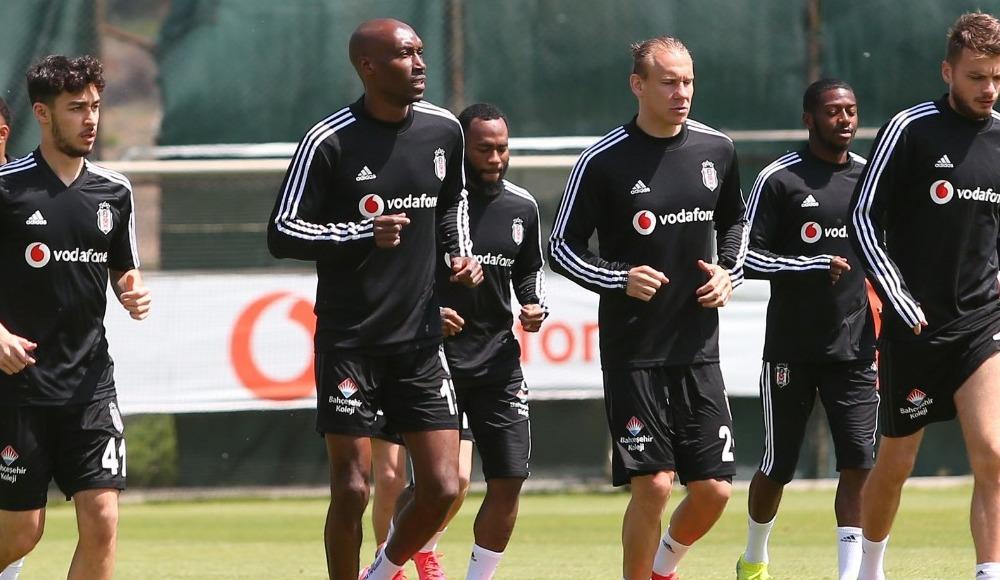 Beşiktaş da bir süredir rakip arıyordu