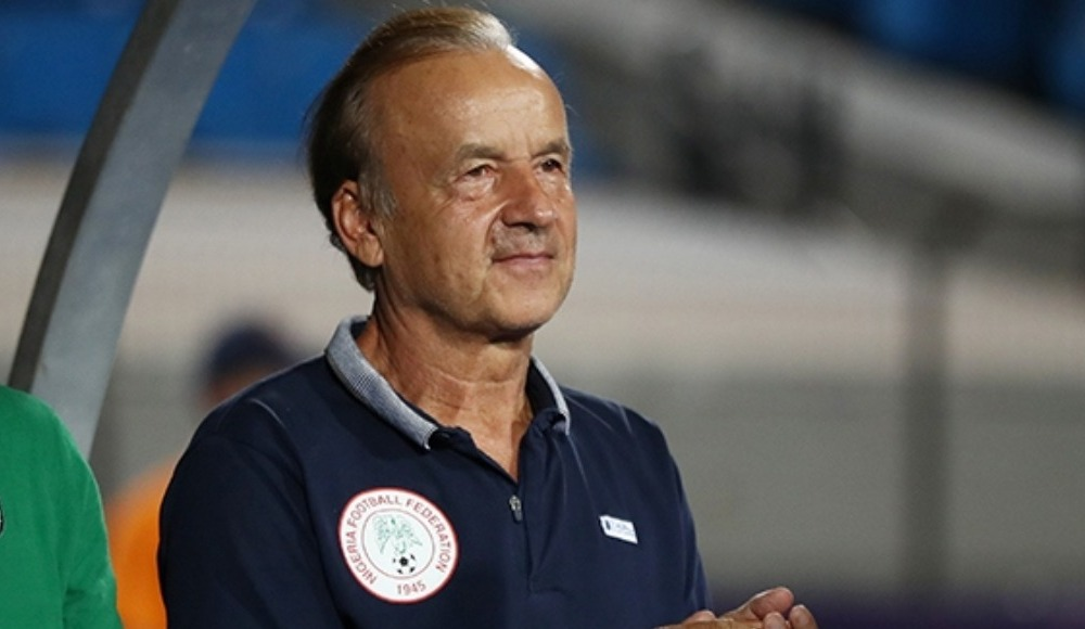 Nijerya, teknik direktör Gernot Rohr'un sözleşmesini yeniledi