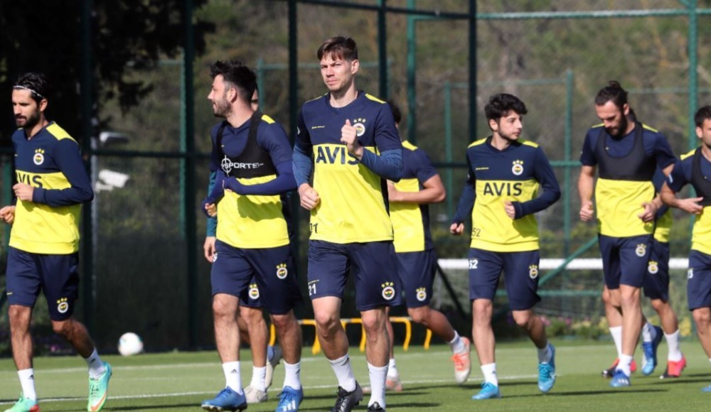 Fenerbahçe'nin korona kampı! Futbolcular...
