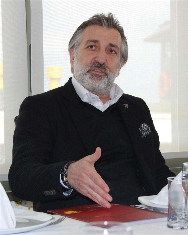 """Talat Papatya: """"Futbol camiası zor günleri birlikte atlatacak"""""""