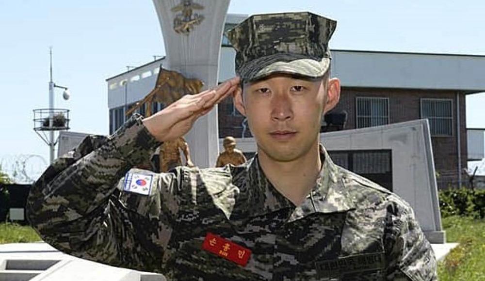 Tottenhamlı Çinli oyuncu Son, askerliğini bitirdi