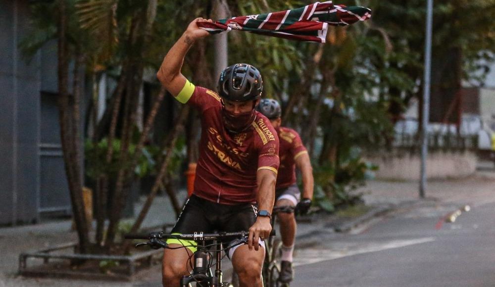 Yoksul ailelere yardım için 600 kilometre pedal çevirdi!