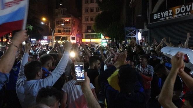 Trabzonspor taraftarından coşkulu kutlama