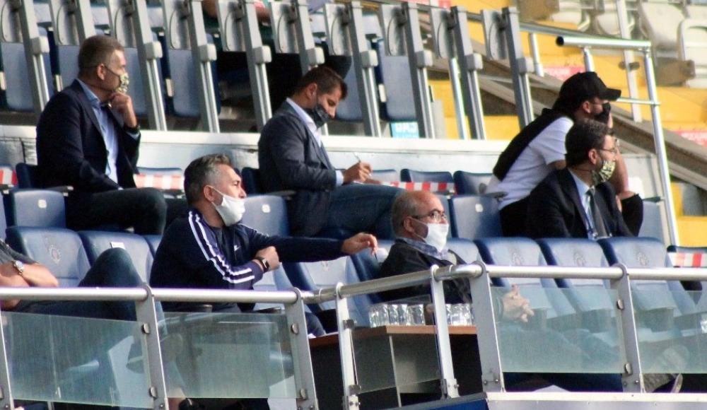 """Fenerbahçe yöneticilerden Aydınus'a """"VAR'ı kontrol et"""""""