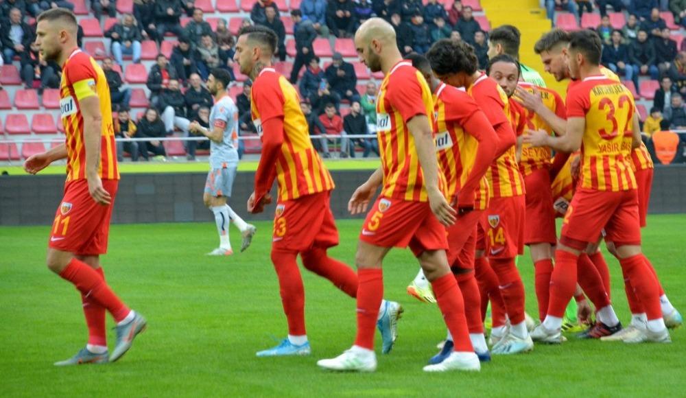 Fenerbahçe iki isim için Kayserispor'un kapısını çaldı!