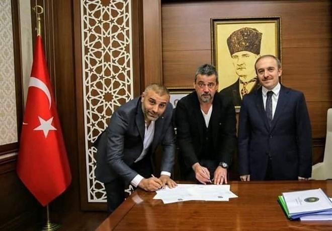 Ali Nail Durmuş, Valilik Makamında resmi sözleşmesini imzaladı
