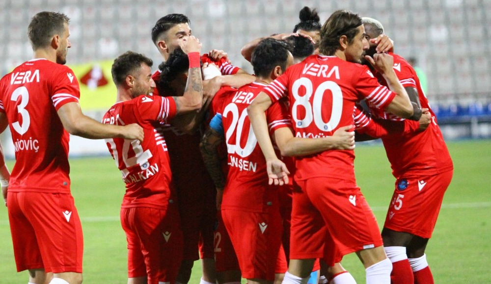 6 puanlık maçta kazanan Adana Demirspor oldu!