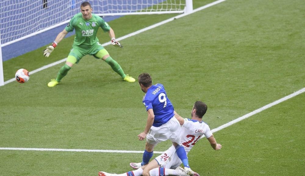 Jamie Vardy tarihe geçti, Leicester City rahat kazandı