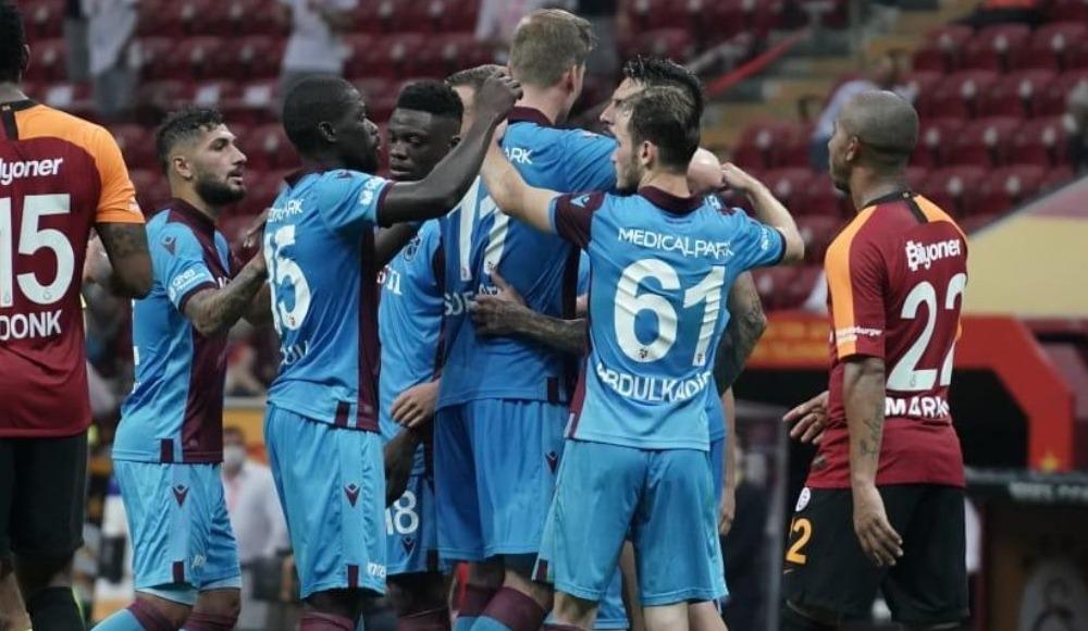 """""""Ahmet Ağaoğlu üzerinden Trabzonspor'a haksızlık ediyorsunuz"""""""
