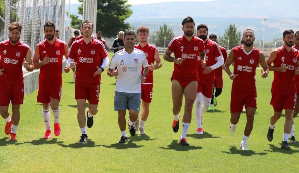 Sivasspor'da 2 eksik, 2 alarm!