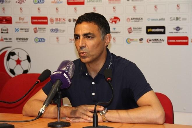 """Mustafa Özer: """"Eskişehir takımına sahip çıkmalı"""""""