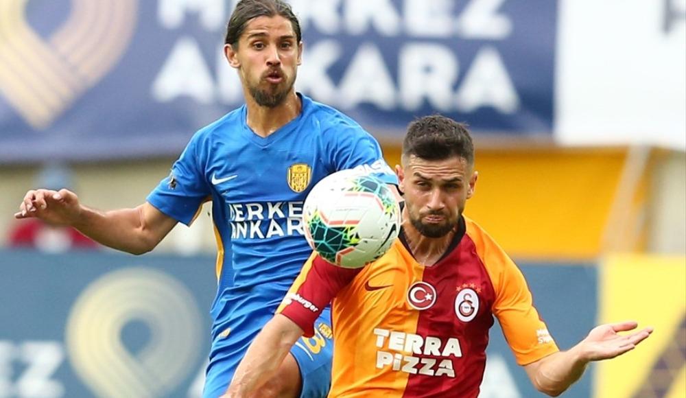 Galatasaray, 6 Türk futbolcuyla sahada