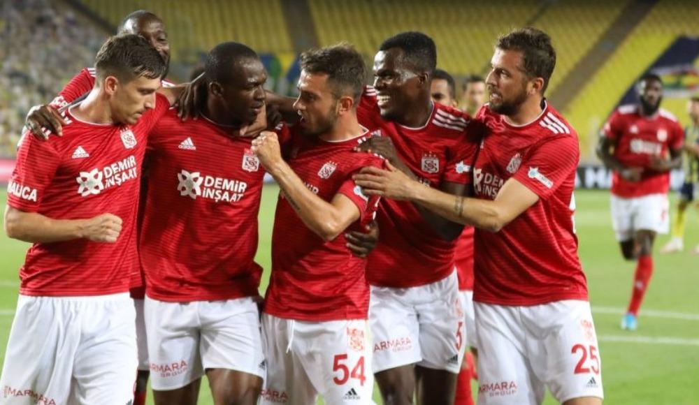 Sivasspor, sorunu Fenerbahçe maçında çözdü!