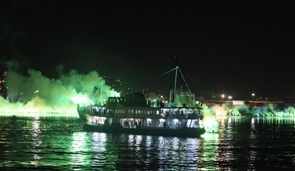 Kocaelispor şampiyonluğu kutladı