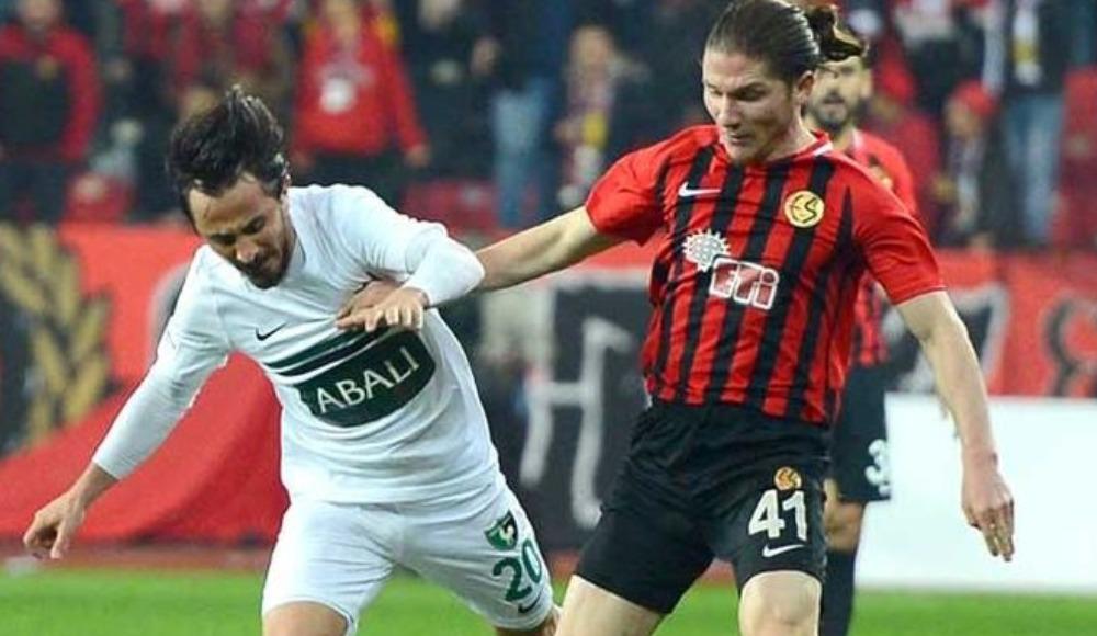 Galatasaray'ın transfer listesinde yer aldı; kadro dışı kaldı!
