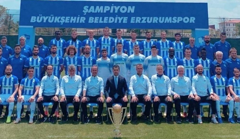 Erzurumspor kupayla poz verdi
